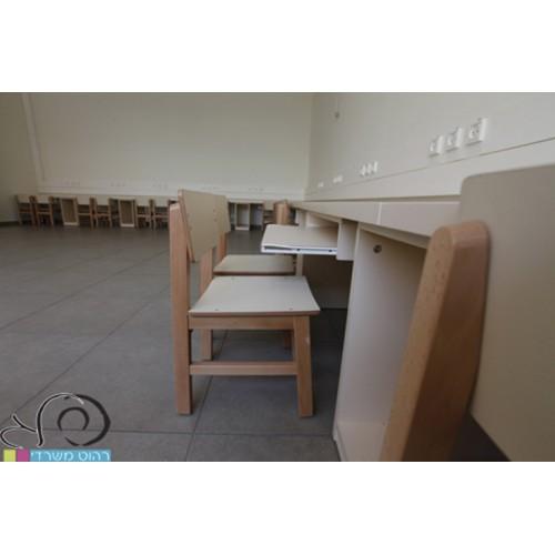 חדר מחשבים במתחם גני ילדים בתל אביב